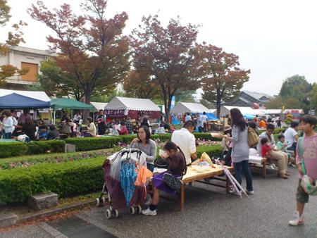 京都・花小路公演内、七条口入口前のCAPイベント会場。